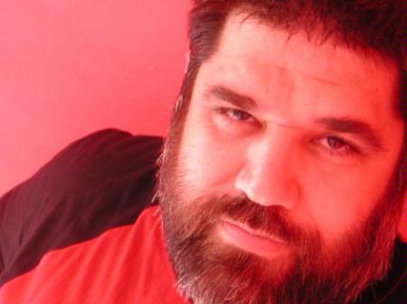Jose Antonio Gutierrez: Enrojecido de bondad