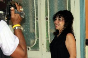 La actriz cubana María Eugenia García, grabando su programa semanal de TV, LUCES, una idea que surgió de ella misma, y ya entra en su segunda época de comunicación.