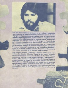 Contraportada del libro ROMPECABEZAS, el primer poemario para adultos de José Antonio Gutiérrez, publicado en 1993.