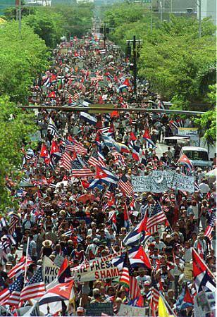 LA POPULOSA MOVILIZACIÓN WEB COMO CUANDO SE REÚNEN LOS CUBANOS PARA PROTESTAR.
