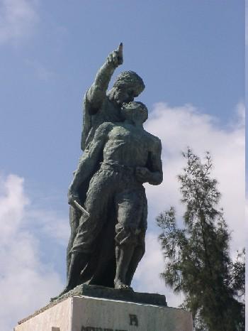 Mariana Grajales, impulsando a su hijo por la Libertad de Cuba.