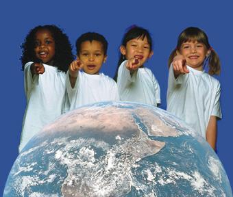 Niños celebrando su día universal...