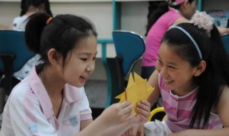 Niños celebrando su día...