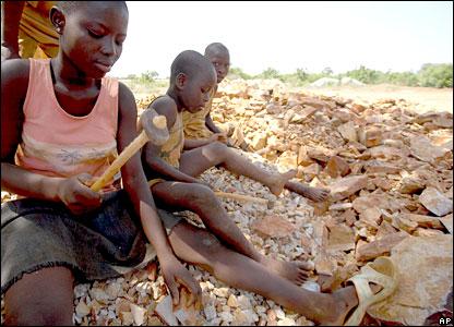 Niños de Ghana, que no celebran su día de los Niños...