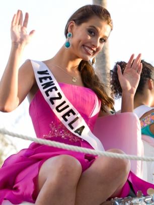 La simpática Miss Venezuela 2008, ahora Miss Universo 2009