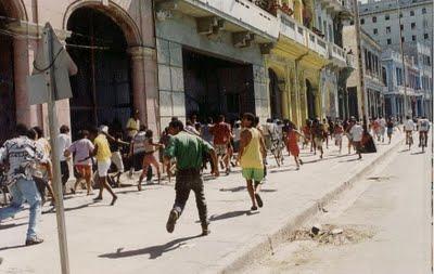 El Maleconazo, desde la calle Galiano, el 5 de agosto de 1994.