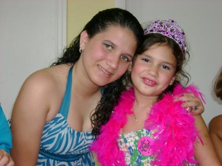 La niña Melisa Ortiz, con sus cualidades histriónicas y su expresión literaria y plástica infantiles, que se desbordan en el TROTAMAR, Papalote de Creación Infantil, creado por Josán Caballero.