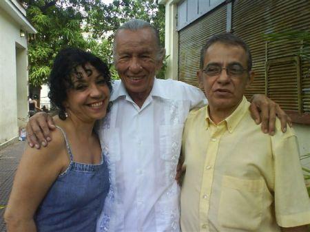 David García Gonce, junto al famoso actor cubano José Antonio Rodríguez, y su hermana, la actriz María Eugenia García Gonce, actualmente en La Habana, Cuba, escribiendo uno, y conduciendo la otra, el programa LUCES, de la Televisión Educativa.
