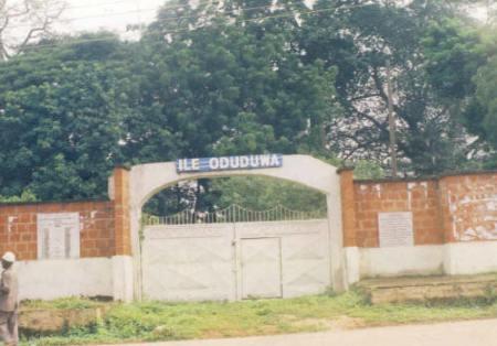 Una casa de Osha, dedicada a la diosa Odúduwa...