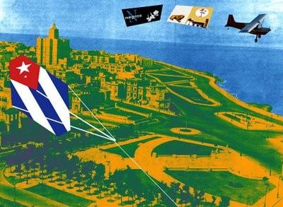 Papalote con Bandera de Ignacio Granados, que incluye las banderas de su Blog Negros Cubanos, y el Papalote Bandera del Blog Cubaleah, de Willy Trapiche.