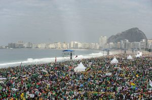 Crowds_in_Copacabana_-_Holy_Mass_for_the_WYD_2013_in_Rio_de_Janeiro