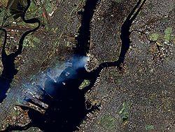 250px-Manhattan_on_September_12_-_Landsat7